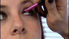How to Wear Blue Eye Shadow